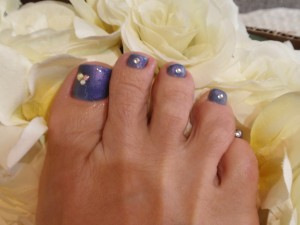 shinybluetoes